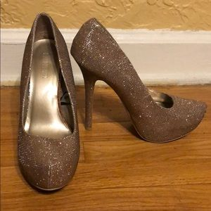 Gold/bronze glittery Forever 21 heels